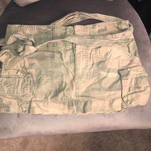 Hollister army / camo skirt size 5